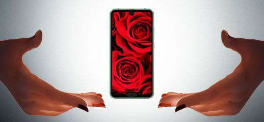 Sharp Aquos R2 Compact con due notch