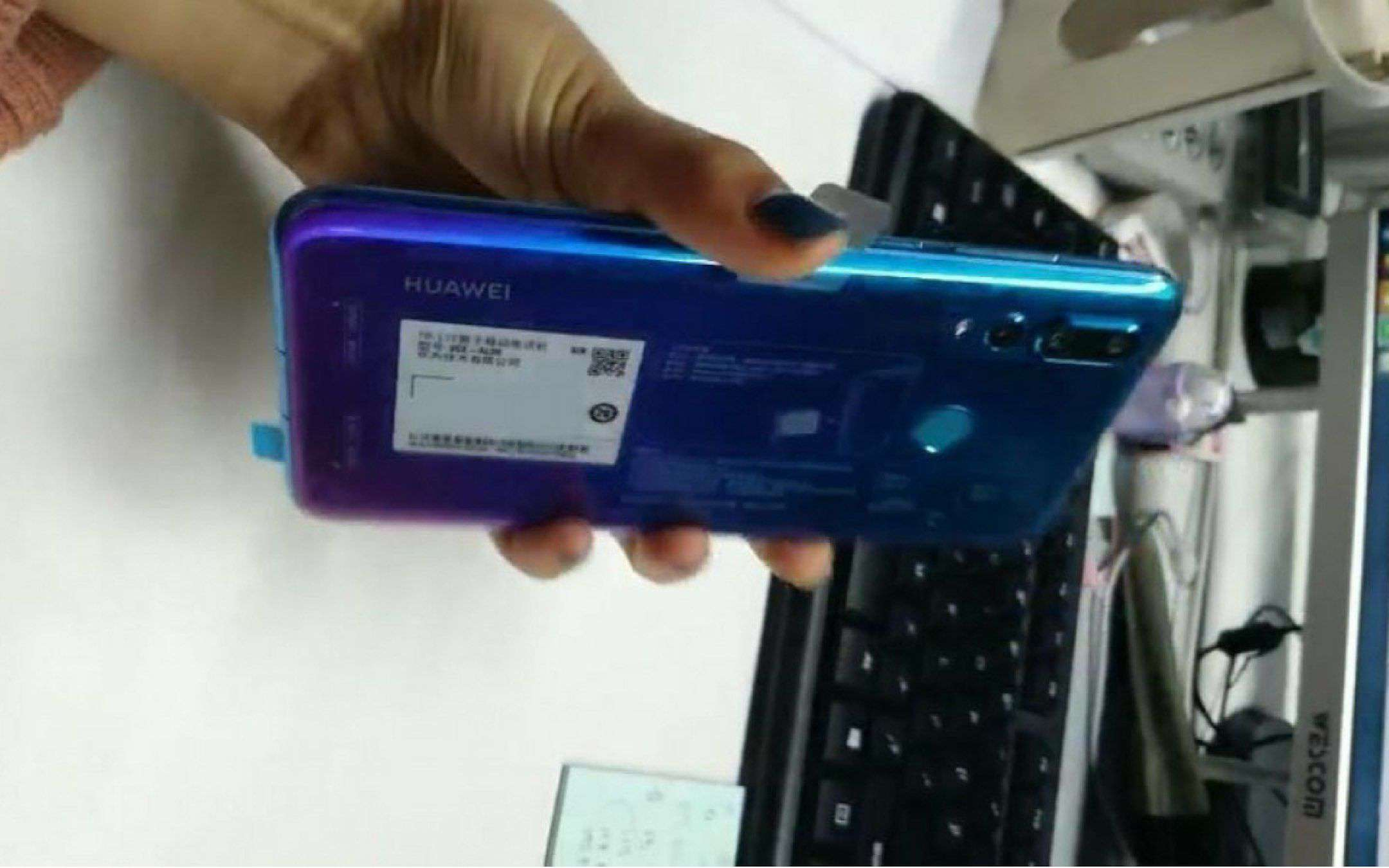 Huawei Nova 4: svelate le specifiche complete