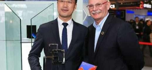Huawei Mate X riceve il premio GLOMO al MWC 2019