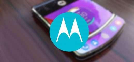 Motorola RAZR: le funzionalità del pieghevole