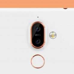 Nokia 7 Plus comunicavano con server cinesi