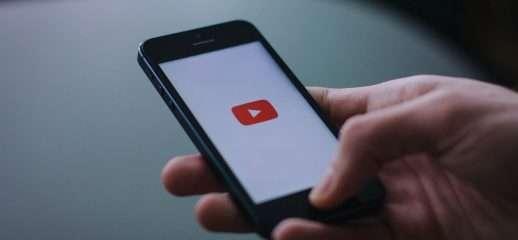 Tempo trascorso su smartphone: YouTube sale al 40%