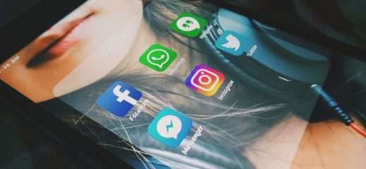 Messenger integrato nell'app di Facebook, di nuovo