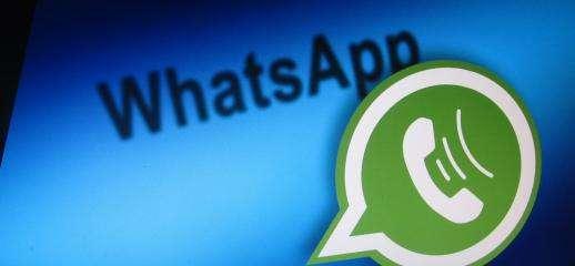 WhatsApp: arrivano QR code e Facebook Stories