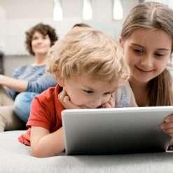 Qustodio: l'app per proteggere i figli online