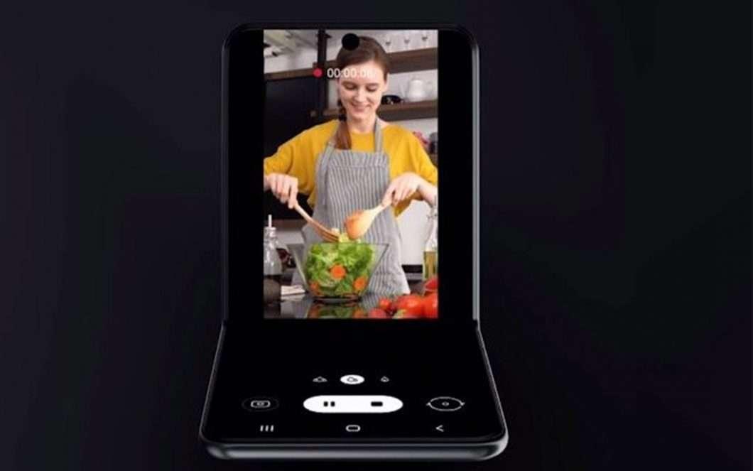 Samsung Galaxy Z Flip avrà un display esterno