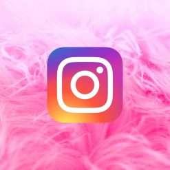 Instagram ha conservato foto e messaggi cancellati