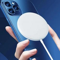 Caricabatterie iPhone 12: i migliori MagSafe da acquistare