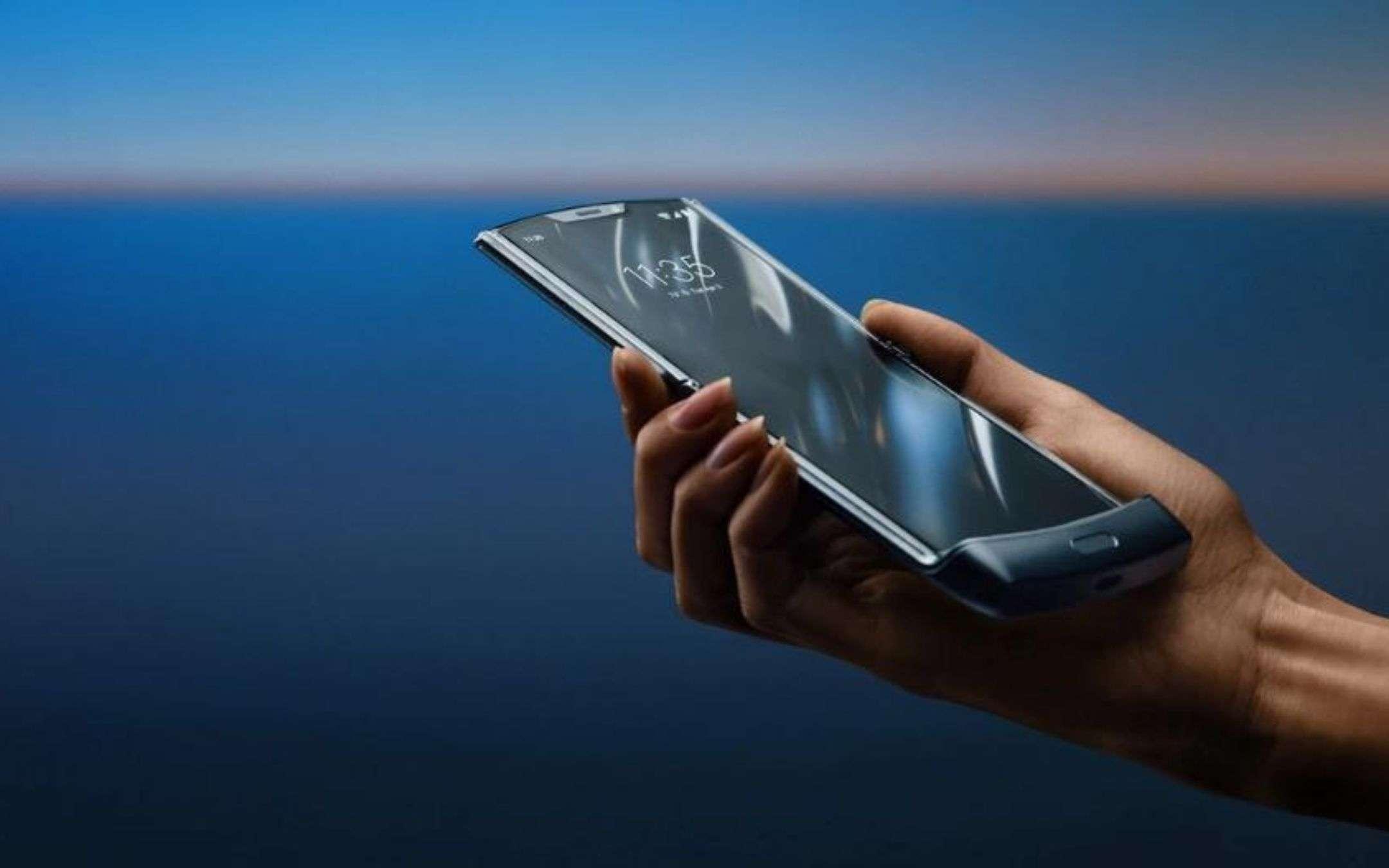 Motorola Razr 2019 si aggiorna ad Android 11, finalmente