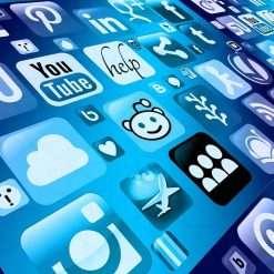 Siamo un popolo di spendaccioni, specie su App Store e Play Store